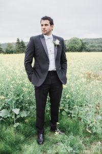 photo-mariage-champ-fleurs-jaunes-orge-marie-